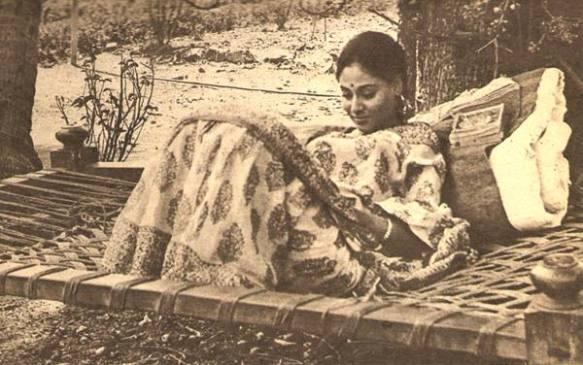 Jaya-Bhaduri-in-Piya-Ka-Ghar