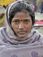 adam-jones-woman-at-pushkar-fair-india
