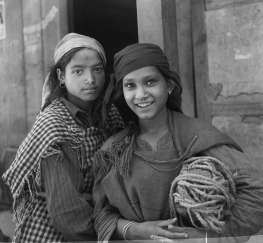 Ph. Studio/November, 1957/KN, A40d/A49d Peasant girls, Kulu Valley.